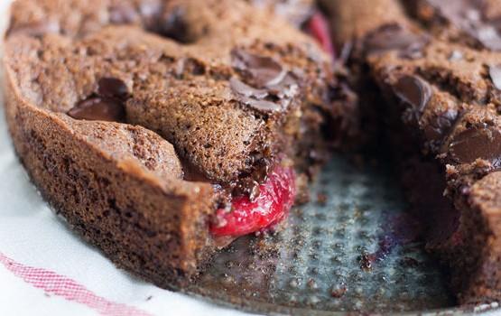 Plum Dark Chocolate Torta