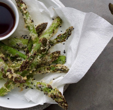 Asparagus and black sesame tempura