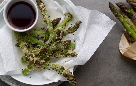 Asparagus and black sesame tempura