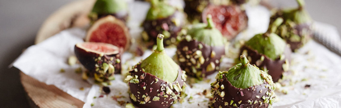 Pisatchios, chocolate and figs